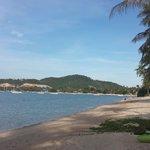 Пляж - взгляд в сторону аэропорта