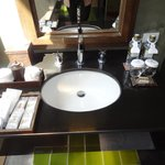 Wash basin with organic soap & sampoos