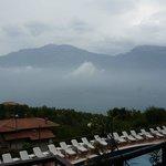 Blick von der Terrasse über den Gardasee