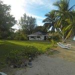 Espace vert devant le restaurant / bungalow plage