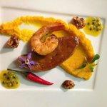 Foie gras de canard, gambas poeles (saveurs carottes, gingembre et passion)