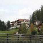 Esterno Hotel lato valle.