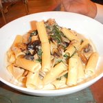 mushroom rigatoni with sherry cream sauce