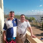 Con mi hermano en el balcón