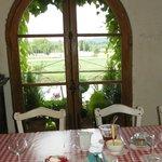 Petit déjeuner avec fraises du jardin de Pierrette