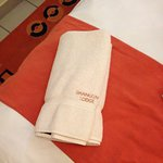 Discoloured towels & they don't even match the hand towels