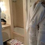 salle de bain décorée