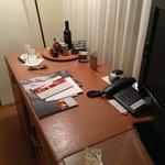 La scrivania della stanza