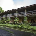 Front of Hotel and Landscaping