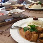 The Guest Curry was chicken, with rice, naan, tomato salad and chutney