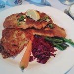 Swiss Hutte Inn & Restaurant Foto
