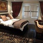 Emerald Queen Suite