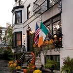 Fall Facade | Ballastone Inn | Savannah GA