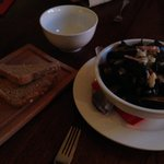 Mussels with cider, bacon, cream, parsley and bread