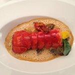 Homard, raviole foie gras morille et feuille d'huitre