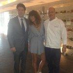 Con el chef y el encargado del hotel