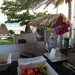Café da Manhã de frente pro mar.