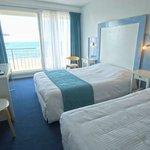 Chambre avec grande baie sur mer