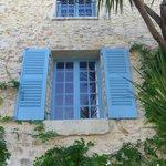 Vieux Mougins Windows