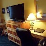 Park Place Lodge - Deluxe Guest Room Desk Area