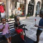 lindas estatuas nas ruas