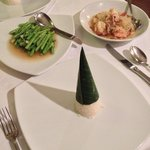 Pomello & prawn salad, asparagus and rice