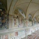 Chiostro particolare affreschi