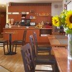 Salle petit déjeuner autre vue