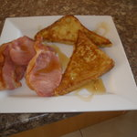 French toast with bacon and maple syrup