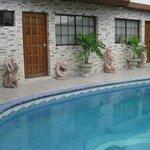 piscina recién remodelada