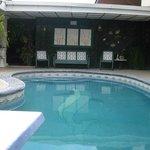 nuestra bella piscina