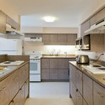 YWCA Hotel Vancouver - Kitchen for guest use