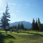 Sunshine, scenery, moutains & golf!