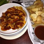 Wings with Garlic-Q sauce & Saratoga chips