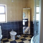 Bathroom for use of Pineview Room and Room 3