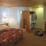 L'ampia e confortevole stanza con vestibolo e bagno