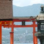 厳島神社から見た大鳥居