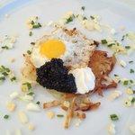 Kaviar mit Rösti und Wachtelei *****