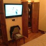 habitacion con tv de plasma