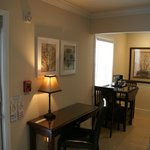 Double Queen Suite - Desk & Dining area