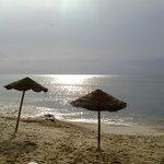 Morgenstimmung am Strand vor dem Hotel