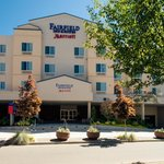 Welcome to the Fairfield Inn & Suites Bremerton