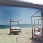 La spiaggia del ristorante.