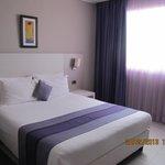 Schönes Zimmer und bequemes Bett