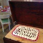 Anche le torte su prenotazione le fanno le nostre Marie