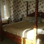Four Poster Bed Room - bright sunny day - cool inside