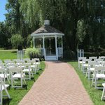 Gazebo seating for ceremony