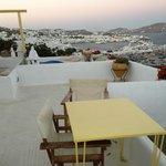 dal nostro terrazzo privato!vista su Mykonos Town(Chora)