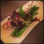 A delicadeza do Chef: aspargos de entrada