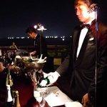 ワインパーティー。夜景と生演奏を楽しみながら。